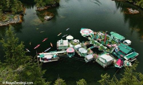 خانه ی رویایی زوجی که روی آب شناور است